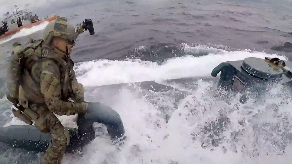 VÍDEO: Narcosubmarino interceptado por la Guardia Costera estadounidense en la costa de México