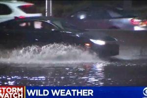 Un muerto, caos e inundaciones en calles y Metro dejó la tormenta anoche en el área triestatal