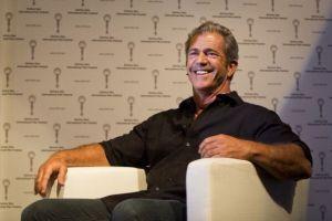 Mel Gibson conduce un sencillo auto compacto: mira cuál