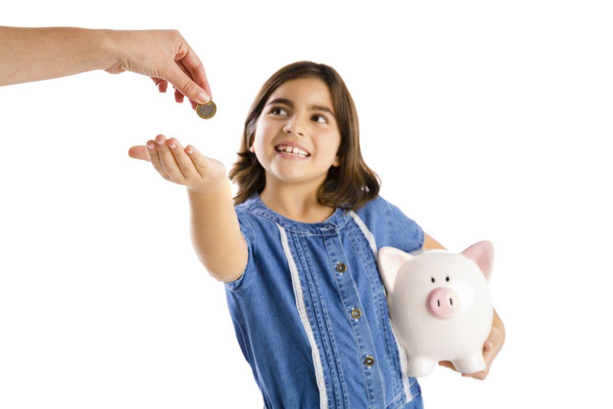 Los niños necesitan (algo de) dinero para aprender de dinero