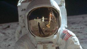 Niel Armstrong nunca llegó a la Luna; la teoría de conspiración que perdura a poco de aniversario número 50