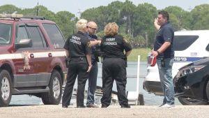 Hallan cuerpo descompuesto rodeado por 10 caimanes en Florida