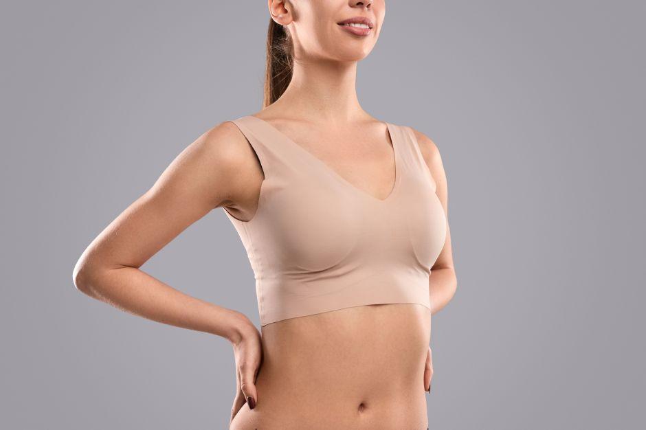 Los 4 mejores sostenes invisibles por menos de $20 para usar con todo tipo de ropa