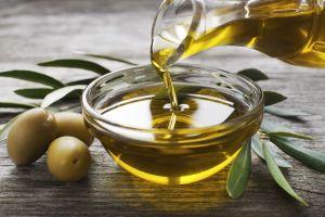 Shot de aceite de oliva y limón para desintoxicar tu organismo y subir defensas