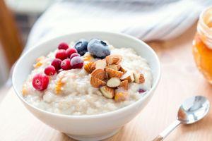 Desayuno de avena, para acelerar el metabolismo y quemar grasa