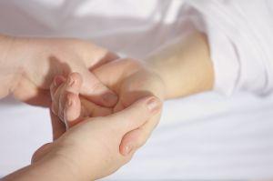 ¿Cuáles son los primeros síntomas de la enfermedad de parkinson?