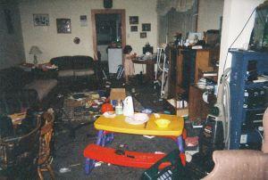 El desgarrador álbum de fotos que retrata lo duro que es vivir con una madre adicta