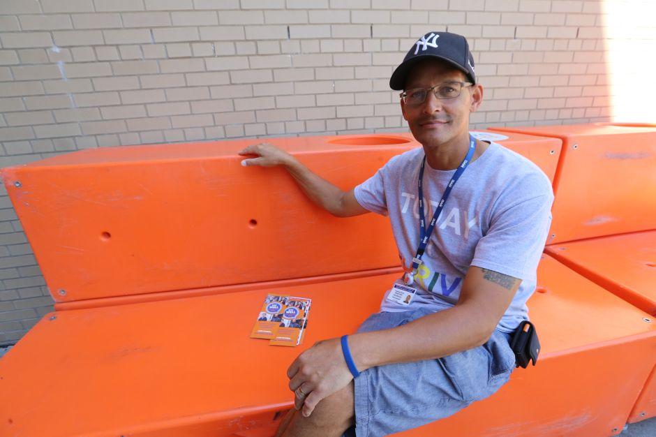 Bancos de Amigos ayudan a neoyorquinos a navegar en planes de salud mental