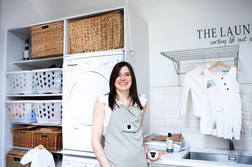 Madre que renunció a su trabajo ahora gana 'salario de seis cifras' gracias a su secadora