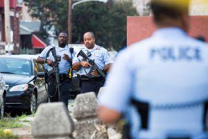 Tiroteo activo en Filadelfia: dos policías escapan de una vivienda, 6 oficiales heridos, pistolero se mantiene rodeado