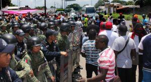 Autoridades mexicanas arremeten contra migrantes africanos en Chiapas