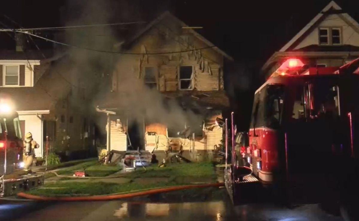 Tragedia familiar: tres hijos de un bombero mueren el incendiarse una guardería