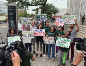 Exigen a Cuomo y la MTA invertir más en el servicio de buses de El Bronx