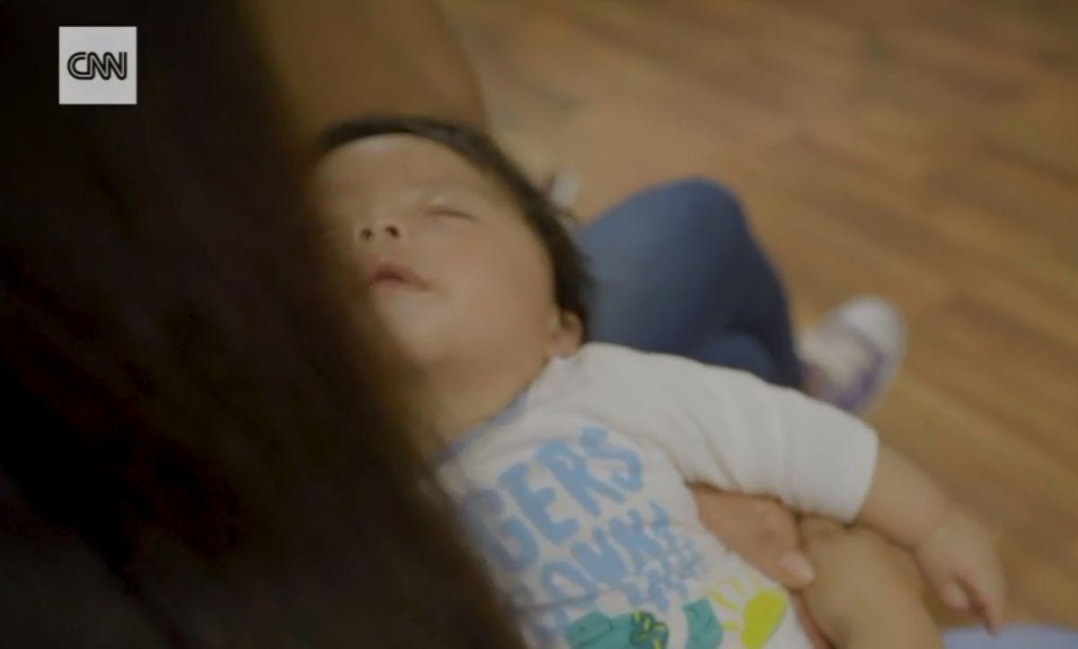 El drama de una madre hispana y su bebé de 4 meses tras redada de ICE