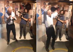 VIDEO: Bernie Sanders demuestra que tiene pésimas dotes en el boxeo ¡y casi se autonoquea!