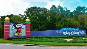 VIDEO: Arrestan desnudo a guardia de Disney en redada de prostitución en Florida