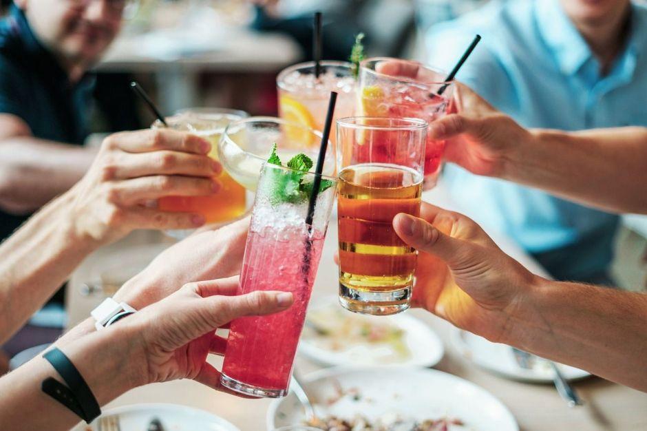 ¿Cuáles son los daños a nuestra salud por consumir alcohol en exceso?