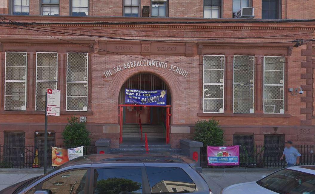 Revelan que hay 900 salones de escuelas públicas contaminados con plomo