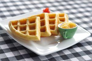 Disfruta sin culpas y combate el estreñimiento, con exquisitos waffles de avena