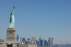 Otra Estatua de la Libertad viene en camino a Nueva York desde Francia: regalo de la independencia el 4 de julio