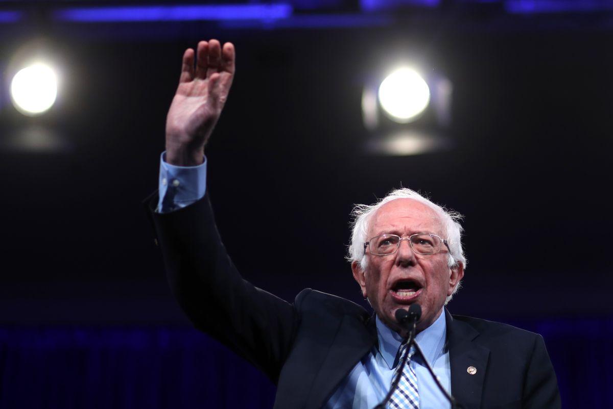 Bernie Sanders impulsa plan para defender libertad de los medios de comunicación