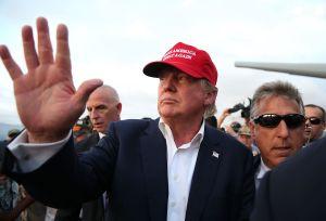 Trump facilitó que enfermos mentales compren armas de fuego al eliminar decisión de Obama