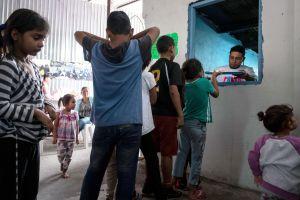 México evalúa acciones contra la regla de detención indefinida de niños migrantes