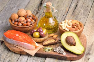 Grasas buenas para proteger al cuerpo contra enfermedades del corazón, diabetes y obesidad
