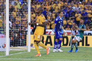 Tigres sigue fallando penales y sigue sin ganar, empató con León a un gol