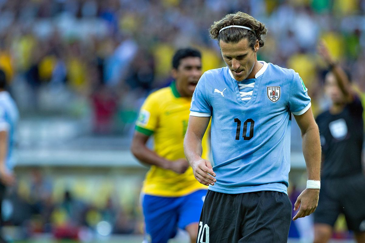 De lagrimita: Diego Forlán le dice adiós a las canchas sin cumplir una de sus metas