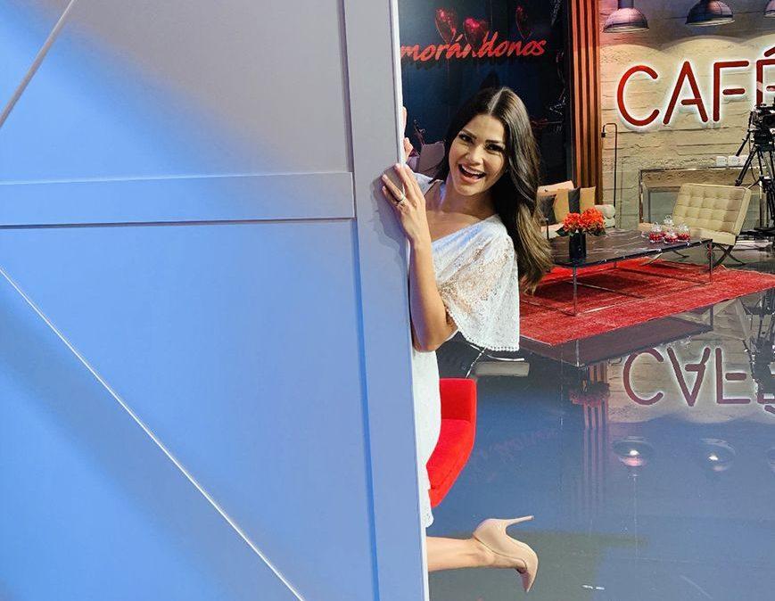 Ana Patricia Gámez, en exclusiva, nos da un paseo por el estudio de 'Enamorándonos'