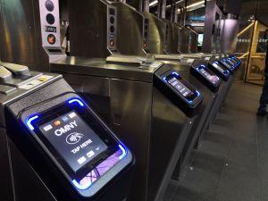 MTA celebra que el sistema OMNY supera el millón usos en el Subway