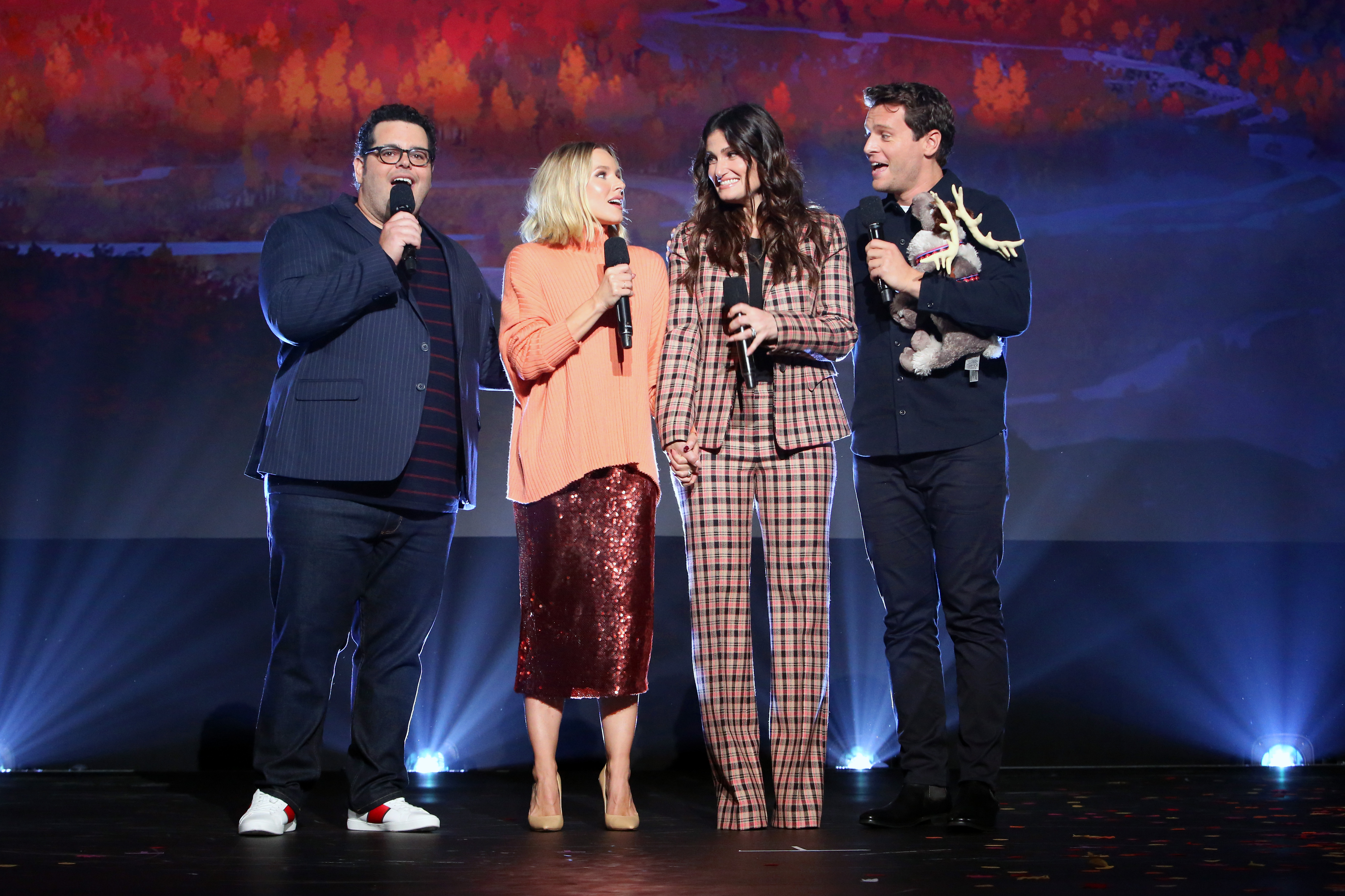 Josh Gad, Kristen Bell, Idina Menzel y Jonathan Groff de Frozen 2 cerraron el show. / Foto: Getty Images for Disney