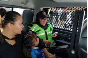 Abofeteó a su hija de 6 años porque lloró el primer día de clases, ahora le prohiben estar con ella