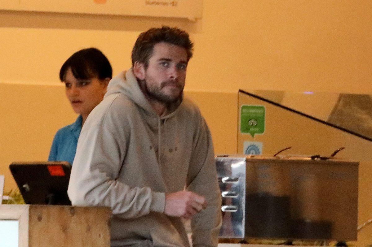 Así de triste se ve Liam Hemsworth
