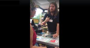 Despiden a empleado de gasolinera que le dijo a clientas hispanas 'regresen a su país'
