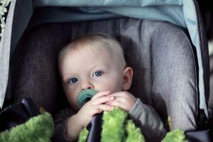 Estreptococos fecales y otras bacterias peligrosas que viven en el asiento del auto de tu hijo