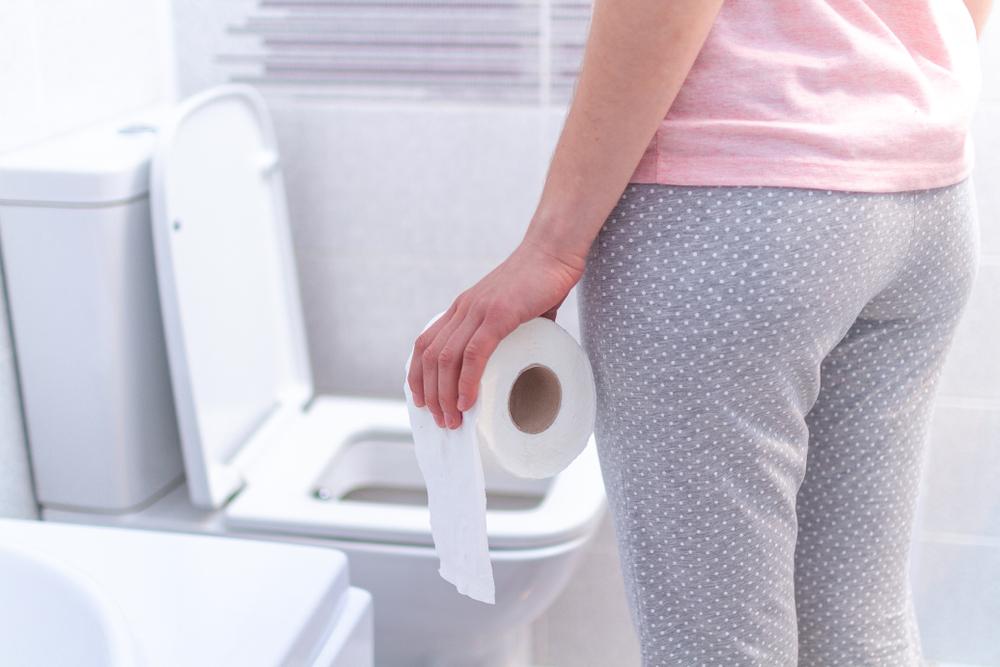 Los hábitos de baño que revelan si sufres cáncer de estómago