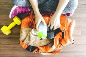 Qué llevar en tu bolso del gym para un entrenamiento libre de estrés