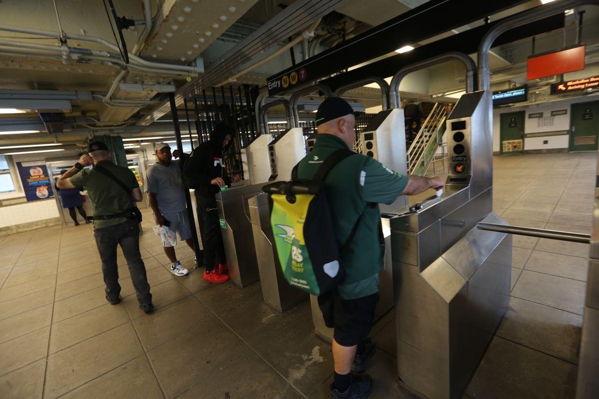 Cuomo insiste en prohibir entrada de agresores sexuales al Subway