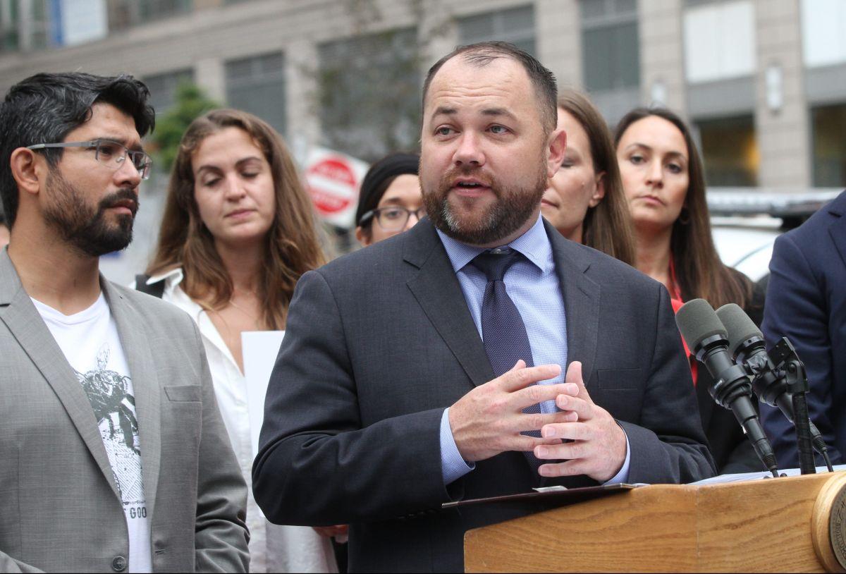 El Concejo Municipal asigna $28 millones para dar servicio a inmigrantes en Nueva York