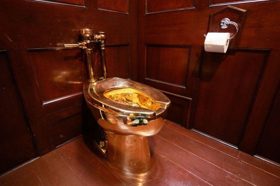 Roban un inodoro de oro macizo valorado en $5 millones de dólares del Palacio Blenheim