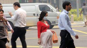 """Comprueban que contaminación del aire es capaz de """"atravesar"""" la placenta de las embarazadas (y cuáles son las consecuencias)"""