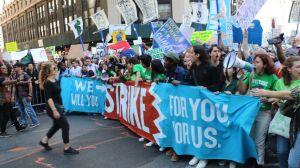 Cambio climático: los jóvenes indignados que asumieron la lucha contra el calentamiento global del planeta