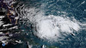 Tormenta tropical Humberto se acerca a las Bahamas, a poco de la devastación