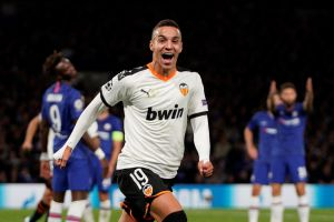 Valencia va y le pega a un Chelsea que no levanta