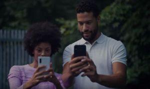 """El video con el que Samsung se """"burló"""" de la cámara del iPhone 11"""