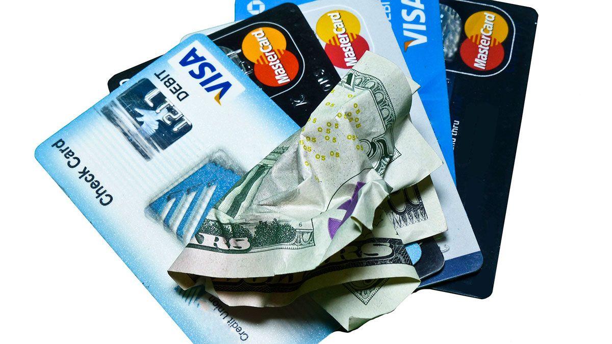 El balance de la tarjeta de crédito pesa más que nunca