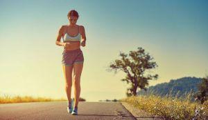 ¿Caminar una hora diaria es una buena forma de perder peso?
