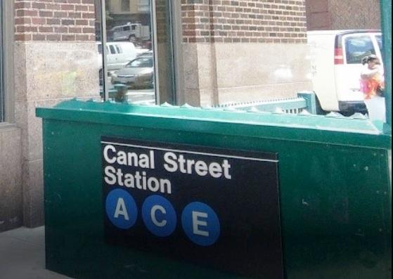 Fumaba ilegalmente en el Metro de Nueva York y reaccionó cortando a pasajeros con navaja